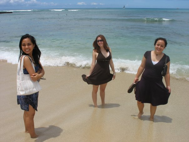 My last irrelevant photo of Hawaii. Waikiki with two of my best friends, August 2007